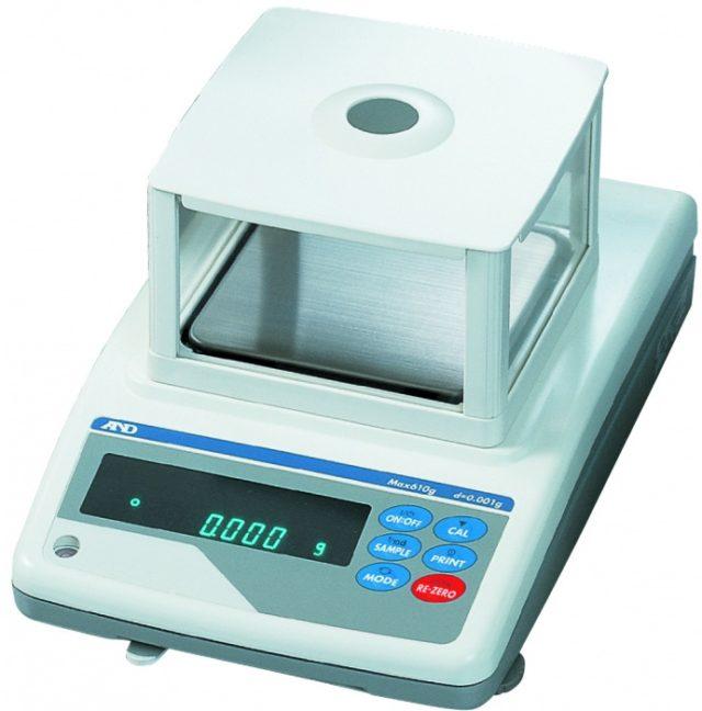 Лабораторные весы AND GF-1000