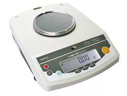 Лабораторные весы СЕ-812