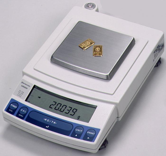 Лабораторные весы SHIMADZU UW-6200H